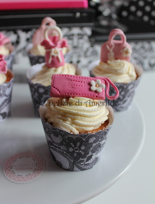 Le Delizie di Amerilde. Fashion cupcake. pink bag cupcake from www.ledeliziediamerilde.it