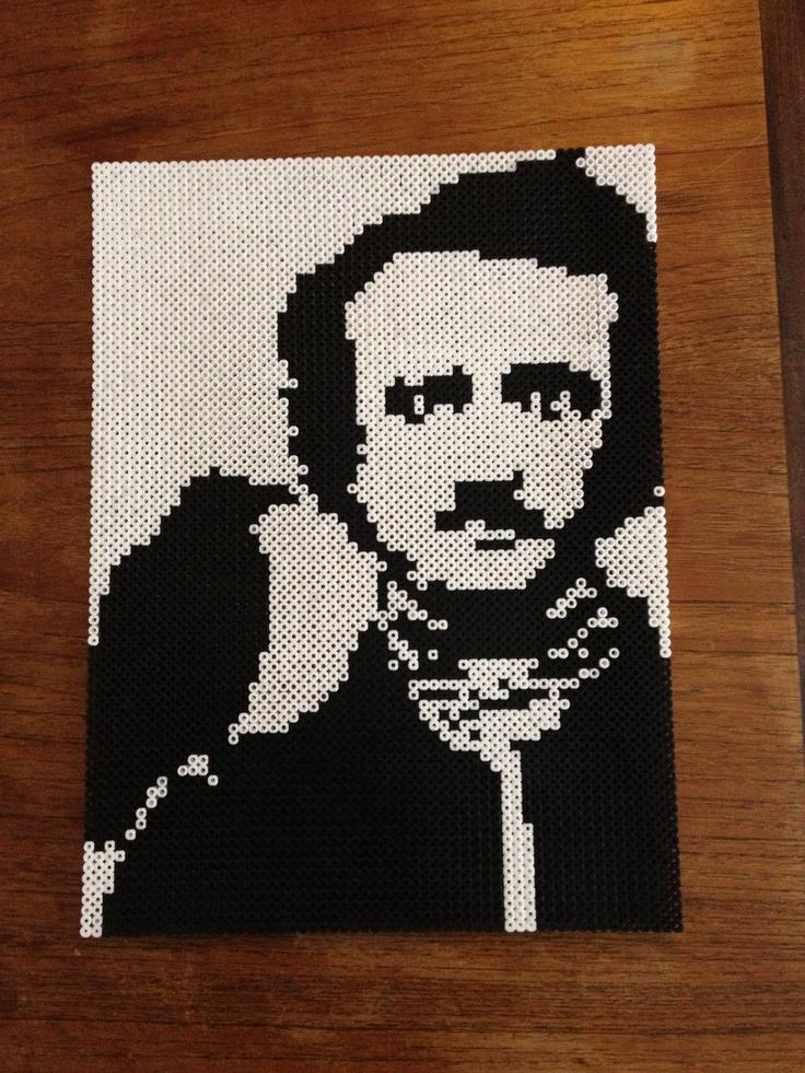 Edgar Allan Poe hama perler beads. www.facebook.com/BeadTheKat