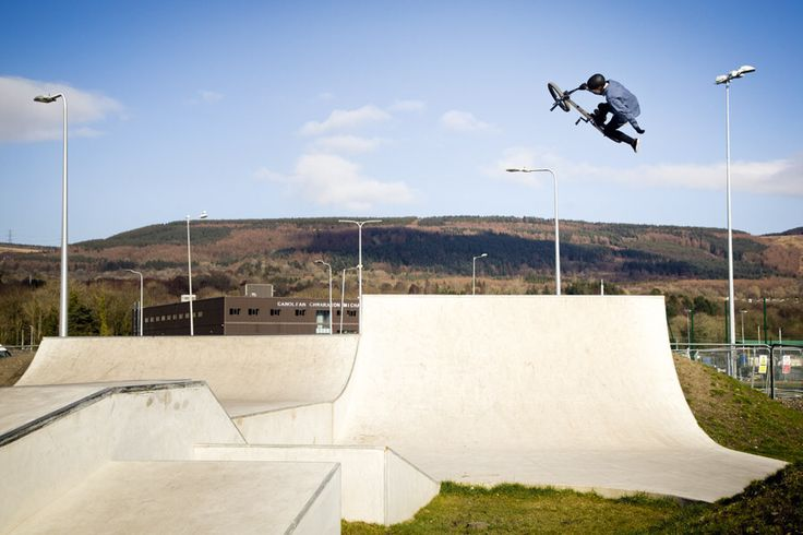 1hand 1foot in Aberdare earlier this year!