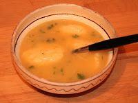 Reţeta zilei: Supă din curcan cu găluște