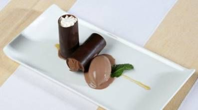 Receta de Canutillos de chocolate rellenos de crema