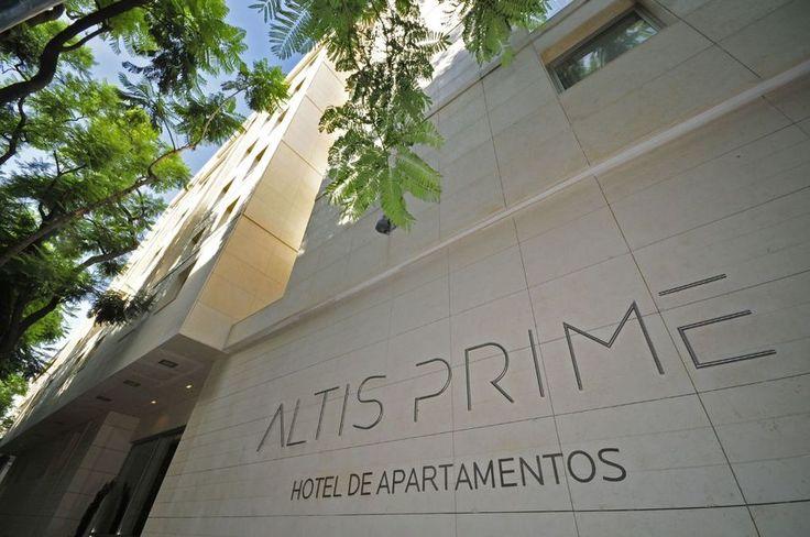 ALTIS PRIME Com 78 apartamentos de luxo que combinam a atmosfera sofisticada e urbana com a comodidade de um serviço personalizado. Mais informação aqui: http://www.portadafrente.com/shop/product/altis-prime-336?category=2