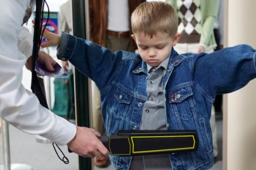 tsa airport security rules when traveling with children