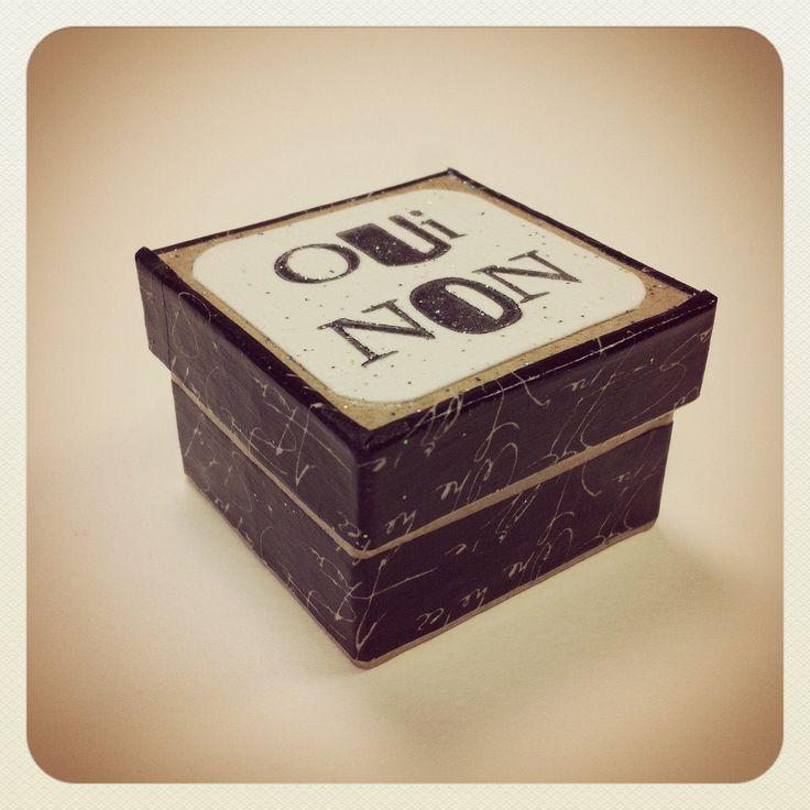 La boîte à prendre des décisions contenant la pierre qui dit OUI & la pierre qui dit NON Par Graine : Autres art par graine-de-carrosse-42511