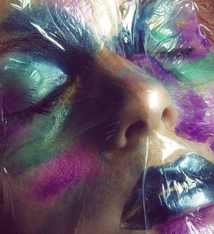 Žofie Dařbujanova Colorful makeup