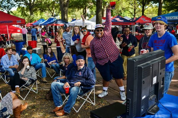 Tailgating Goes Above and Beyond at the University of Mississippi - NYTimes.com