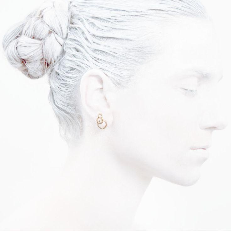 'Elegancy in White' O Collection #leifoojewelry jewelry # Artistic # awesomework # Geisha #necklace