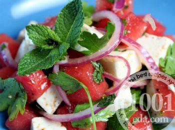 Салат из арбуза с фетой