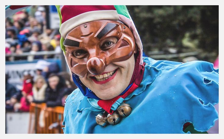 """La """"farinella"""" e il Carnevale di Putignano. Perché la Puglia è sempre…divertimento goloso!"""