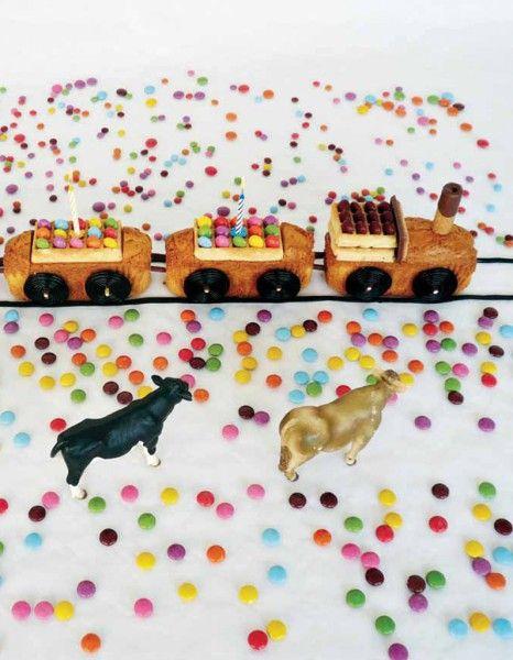 Gâteau d'anniversaire train pour 20 personnes - Recettes Elle à Table - Elle à Table