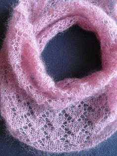 Free Pattern: Circle of Love Cowl by Evelyn A. Clark