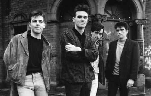 Still trying to decide if you want to go out tonight? why not consult The Smiths Flow Chart    #thesmiths #morrissey