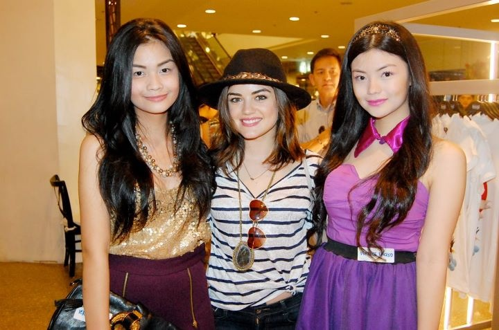 Fashion Blogger Vern Enciso(@VernEnciso) in the gold sequined top from SOUL Lifestyle and her sister Verniece got to meet Pretty Little Liars star and new Herbench endorser Lucy Hale! :-)