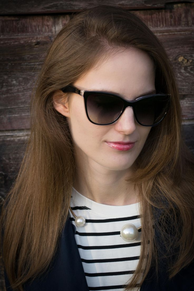 PEARL CHOKER, CAT EYE SUNGLASSES, ACCESSORY, DETAILS, STRIPES, SUNGLASSES