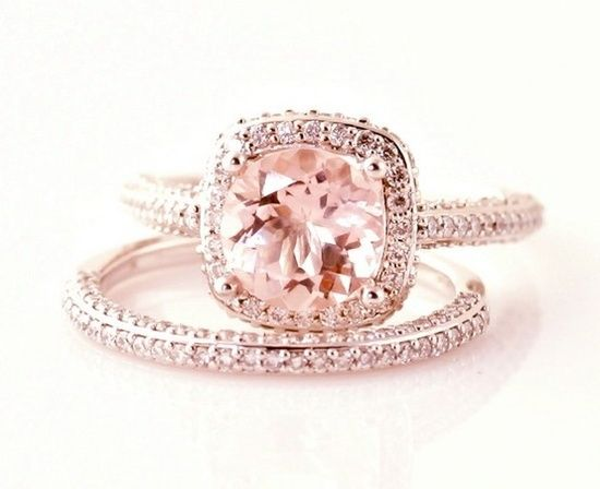 rose gold engagement ring. <3
