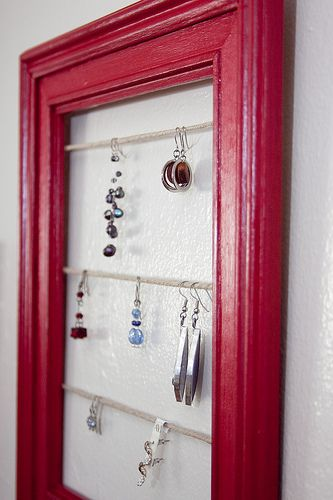 DIY: jewelry display from old frames