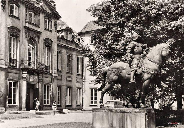 Pałac Czapskich, Krasińskich, Raczyńskich, Akademia Sztuk Pięknych fot. 1964-1966, L. Święcki, źr. Pocztówka RUCH, źr. fotopolska.eu