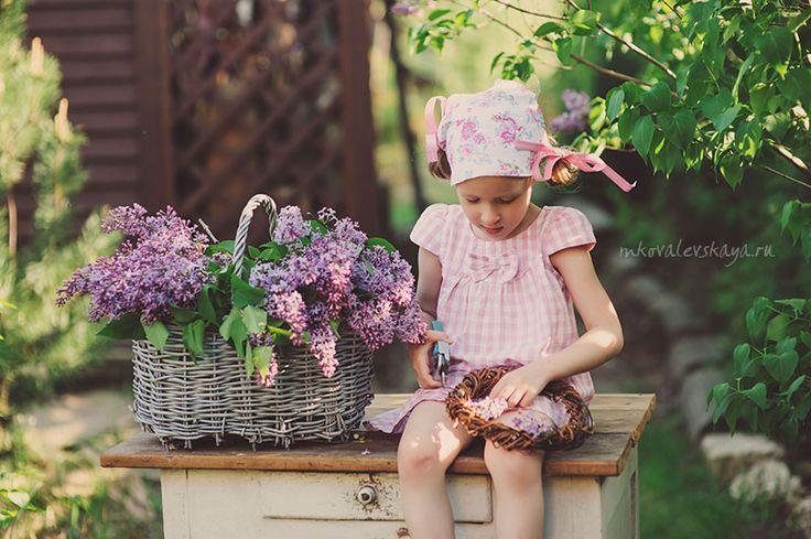 Сиреневая весна - детская фотосессия для девочки