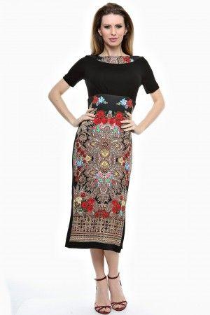 Rochie conica lunga cu imprimeu si garnituri uni.