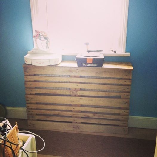 Pallet radiator cover which i built for my sons bedroom, so simple to make