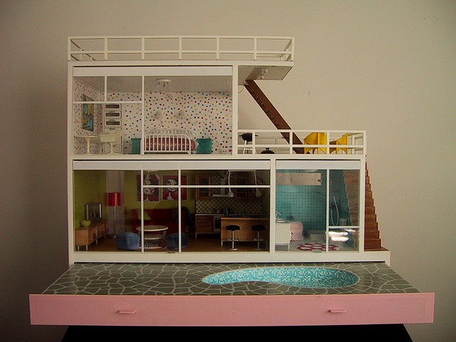 New Lundby Stockholm  vintage modern dollhouse with pool
