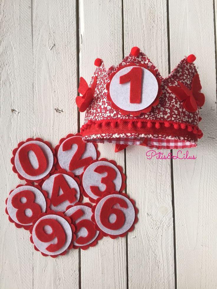 Corona de Cumpleaños 100% hecha a mano.Con números del 0 al 9 incluidos
