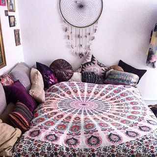 Best 25 Hippie apartment decor ideas on Pinterest Boho room