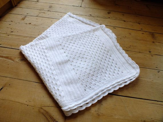 Instant Download PDF Crochet Pattern White Shell by HanJanCrochet, £2.75