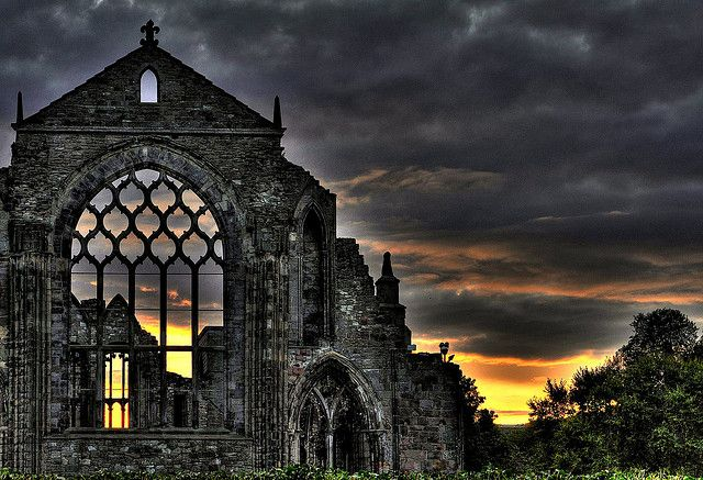 Holyrood Abbey - Edinburgh by Light, via Flickr