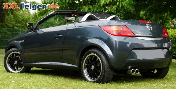 Opel Tigra Twin Top mit schwarzen DBV S-Australia Kompletträdern