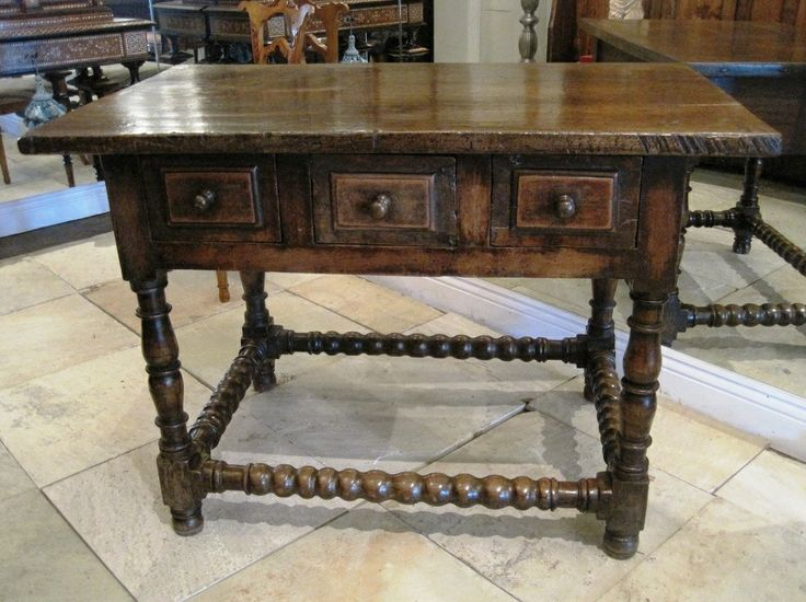 Spanish Walnut Side Table. 17th Century