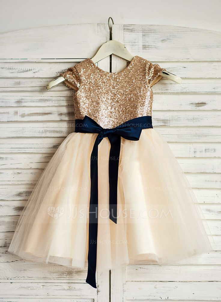 A-Line/Princess Knee-length Flower Girl Dress - Tulle/Sequined Short Sleeves Scoop Neck With Sash (010090333)