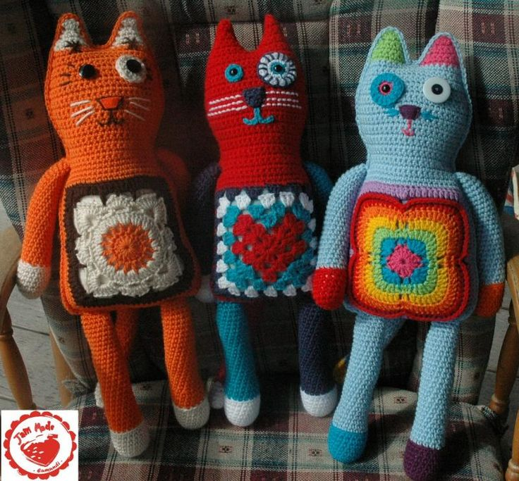 Granny square pussy cat pattern, FREE!! What a great tute from amazing blogger, wowee... amazingly free: thanks so!!!! xox