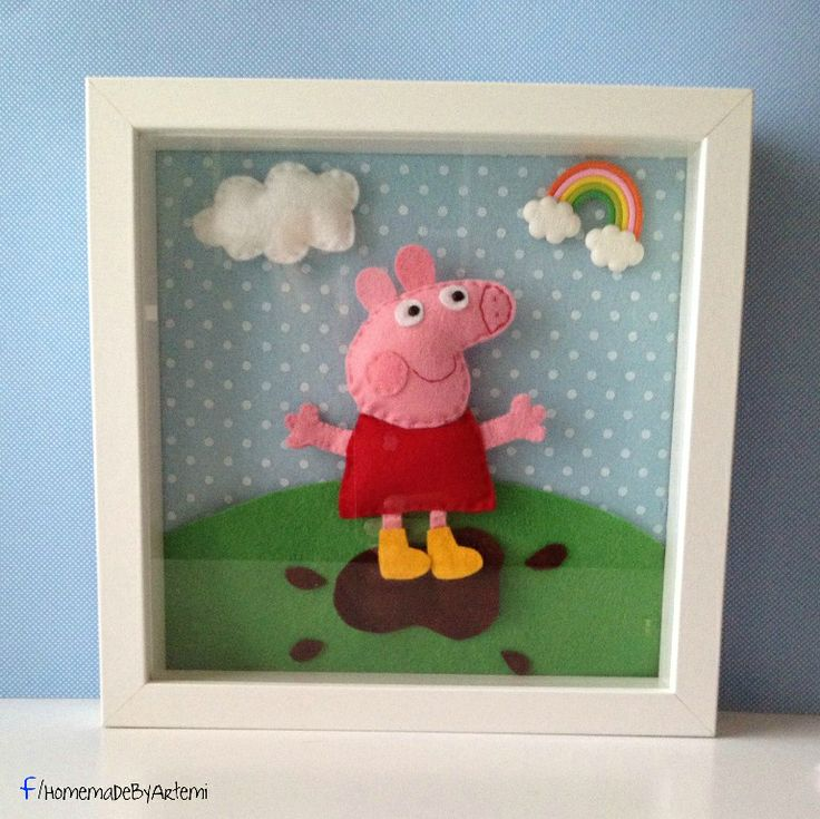 Peppa pig frame made from felt..!!