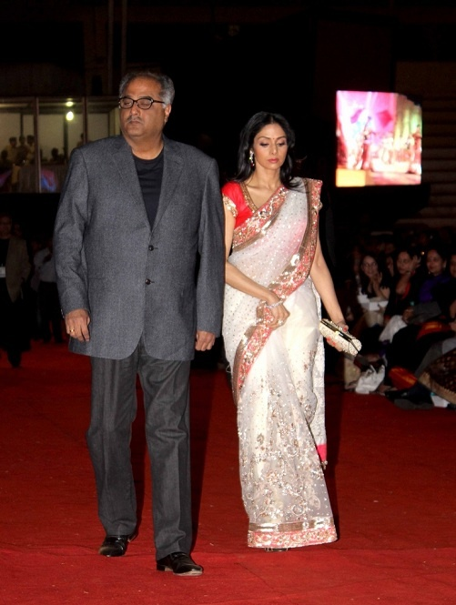 Sridevi in Manish Malhotra red and white sari at Police Show Umang 2013 | IndianWeddingSite.com