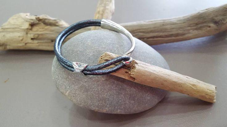 Bracelet demi jonc cuir