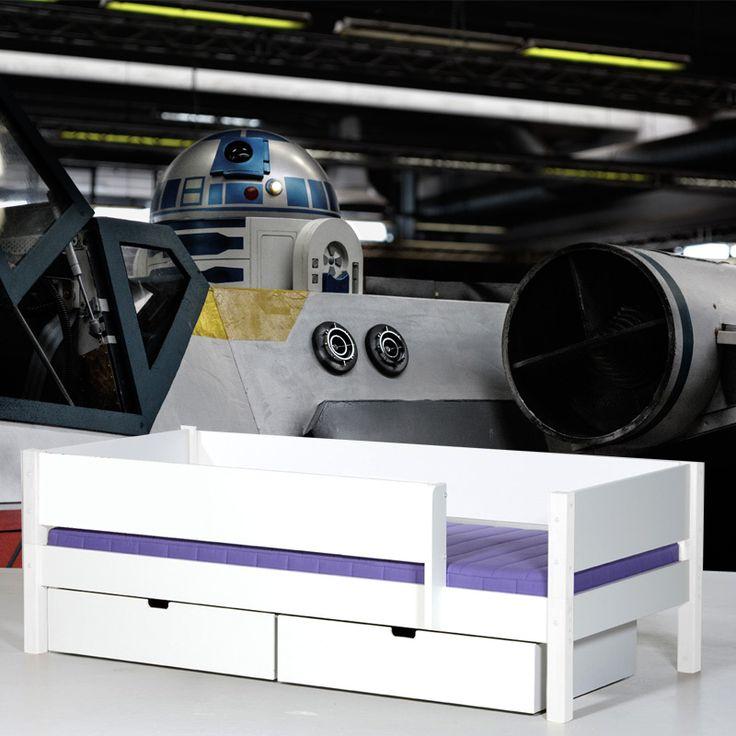 Fotobehang R2-D2 | Maak het jezelf eenvoudig en bestel fotobehang voorzien van een lijmlaag bij YouPri om zo gemakkelijk jouw woonruimte een nieuwe stijl te geven. Voor het behangen heb je alleen water nodig!   #behang #fotobehang #print #opdruk #afbeelding #diy #behangen #science #fiction #sf #sciencefiction #scifi #starwars #star #wars #r2d2 #film #robot