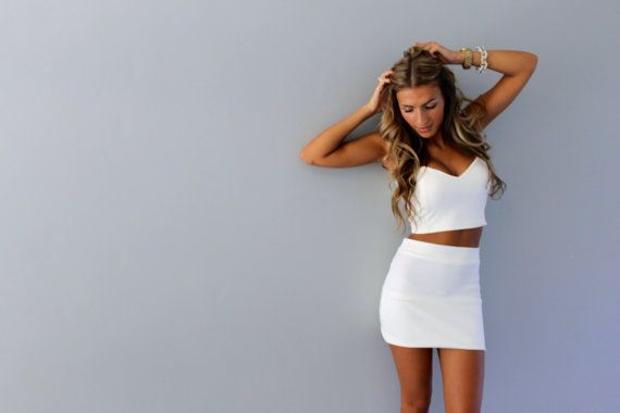 15% off Two piece sweetheart crop top and skirt by Batelboutique