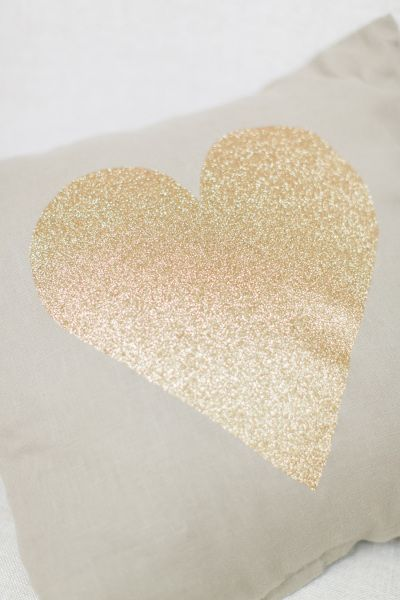DIY Glitter Heart Pillow: Easy Ways to Dress Up a Neutral Throw Pillow