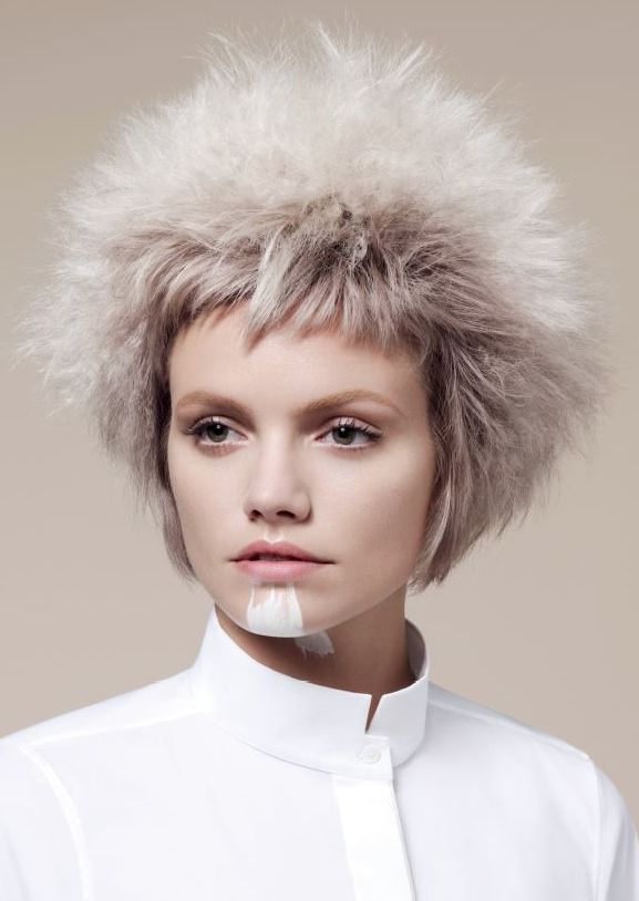 Sassoon  A pared down, minimalist approach. The collection features precisely cut, formfittingshapes of stripped back simplicity and muted colour that reflect a utilitarian,functional concept of graphical shape and the purity of a white work shirt.  Mark Hayes   International Creative Director