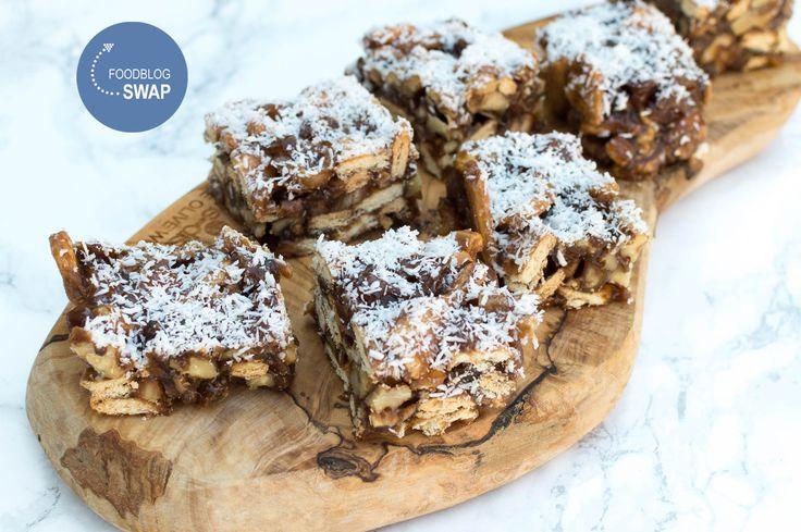 Hier vind je een makkelijk recept voor heerlijke dadeltaart. Gegarandeerd een succes, zelfs als je niet van dadels houdt. De taart hoeft niet in de oven!