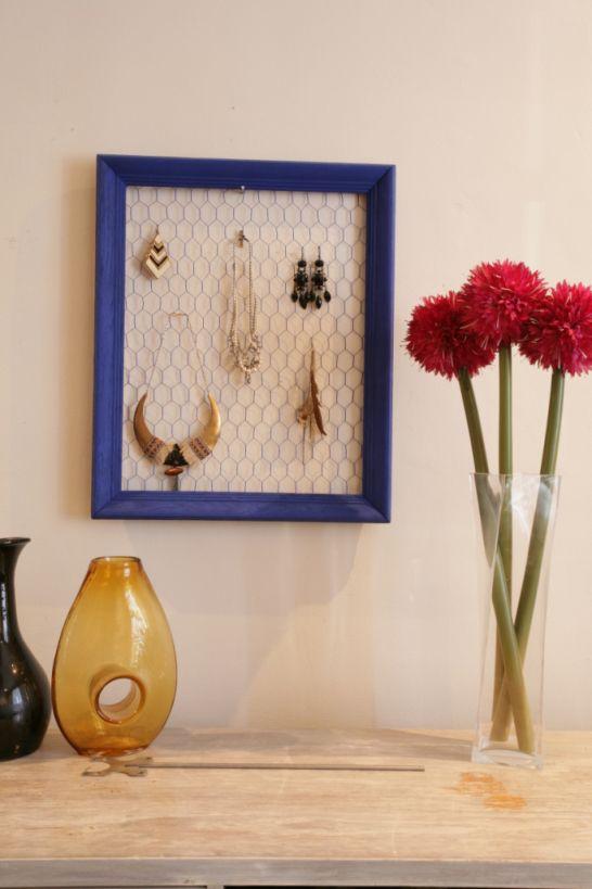 fabriquer un porte bijoux en grillage poule bijoux et bricolage. Black Bedroom Furniture Sets. Home Design Ideas