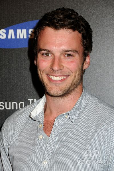 Peter Mooney from Rookie Blue; Hands down, the top reason I keep watching.