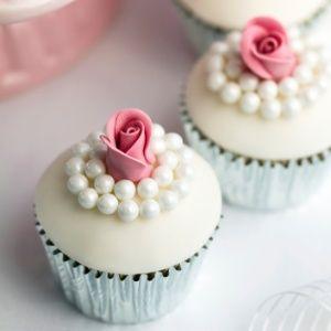 Veja três ideias de cupcake para servir no casamento