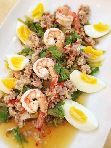 ヤムマクアヤーオ ★ グリルナスのサラダ|きちんとレシピ|フードソムリエ