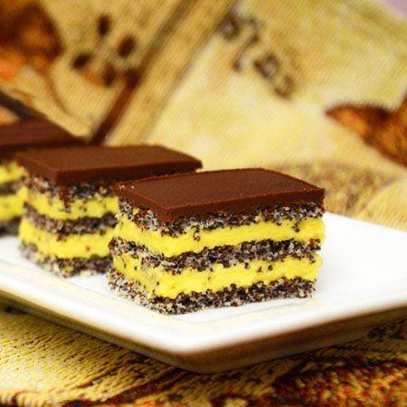 Prajitura cu blat de mac si crema de vanilie este un desert savuros ce se prepara foarte usor. Blatul de mac