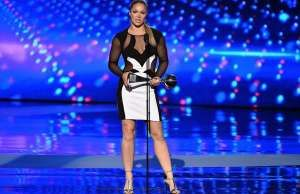 Ronda Rousey Wins Two ESPY Awards, Trashes Floyd Mayweather