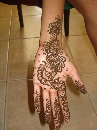 yes, it's Hena, but wouldn't it make a great tat?? :)