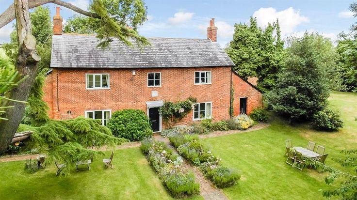 Preston Bissett, Buckingham - 5 bedroom farm house character property - Brown & Merry