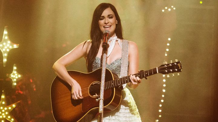 Kacey Musgraves opened for Willie Nelson at the Mountain Winery, Saratoga, CA Aug 15, 2017 and outsang him.
